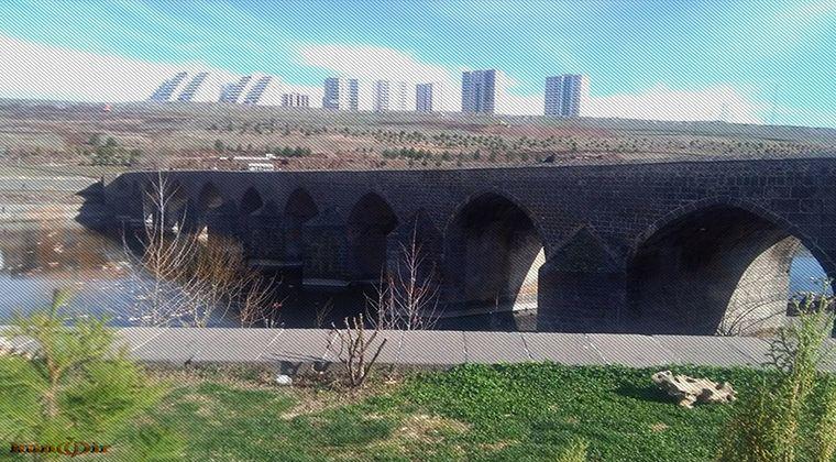 10 Gözlü Köprünün yıkılması